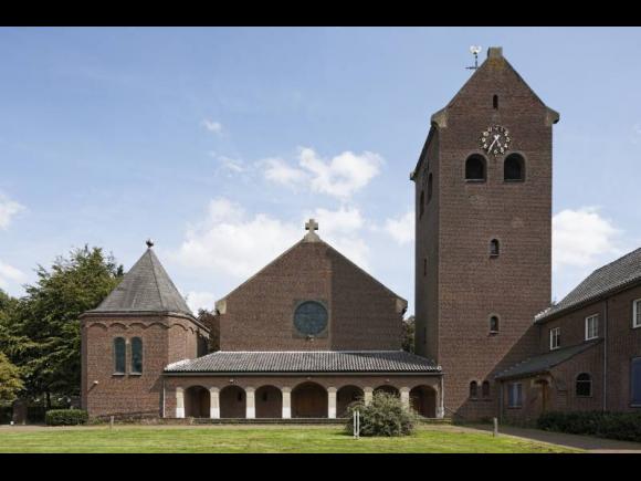 St. Jozefkerk en pastorie, Loon op Zand