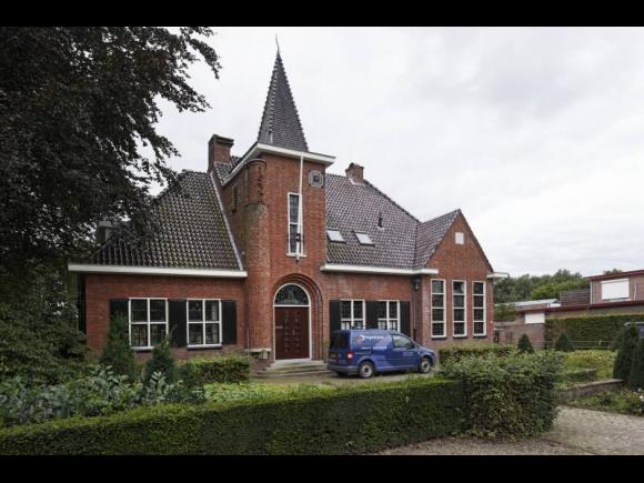 raadhuis, nu woonhuis, Tilburg